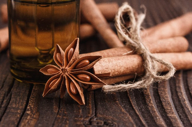 10 Evidence Based Health Benefits of Cinnamon