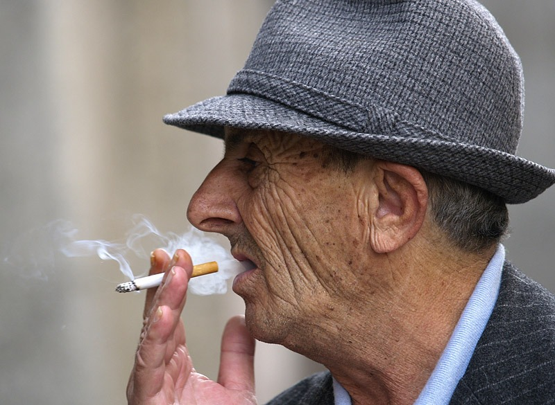 Experts Say Smoking Can Cause Skin Wrinkles
